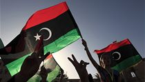 Libyjci oslavuj� kon�n� prvn�ch svobodn�ch voleb