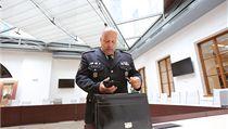 Policejn� prezident Petr Lessy v Poslaneck� sn�movn�
