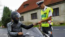 Silni�ní kontrola motorká�� � ilustra�ní foto. | na serveru Lidovky.cz | aktu�ln� zpr�vy