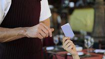 �í�ník si díky perfektní pam�ti zapamatoval �ísla na kreditních kartách a pak údaje prodával. | na serveru Lidovky.cz | aktu�ln� zpr�vy