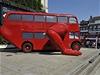 Cvi�ící autobus který pro olympiádu v Londýn� navrhl �eský výtvarník David �erný | na serveru Lidovky.cz | aktu�ln� zpr�vy