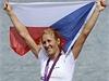 Miroslava Knapková oslavuje první zlatou medaili �eské republiky | na serveru Lidovky.cz | aktu�ln� zpr�vy