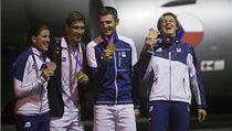 Medailisté z olympiády. Zleva Zuzana Hejnová, David Svoboda, Jaroslav Kulhavý a Barbora �potáková | na serveru Lidovky.cz | aktu�ln� zpr�vy