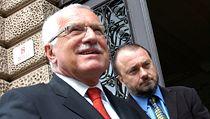 Václav Klaus a Ladislav Jakl na archivním snímku z roku 2006. | na serveru Lidovky.cz | aktu�ln� zpr�vy