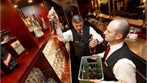 �í�níci v brn�nském Hotelu Grand uklízejí lahve s alkoholem | na serveru Lidovky.cz | aktu�ln� zpr�vy