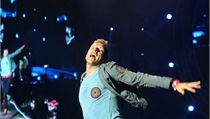 Zpěvák Chris Martin předváděl zajímavé taneční kreace