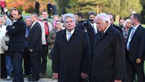 Nem�cký prezident Joachim Gauck a Václav Klaus se poklonili v Lidicích památce ob�tem nacismu  | na serveru Lidovky.cz | aktu�ln� zpr�vy