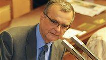 Ministr financí Miroslav Kalousek na sch�zi Poslanecké sn�movny  | na serveru Lidovky.cz | aktu�ln� zpr�vy