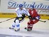 Z�pas Euro Hockey Tour, Karjala Cup �esko - Finsko, �esk� hokejista Jakub Krej��k (vpravo) a Fin Mikko Koivu
