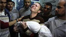 Ani ne ro�ní dít� noviná�e BBC je jednou z nejmén� 15 ob�tí izraelských nálet� v pásmu Gazy | na serveru Lidovky.cz | aktu�ln� zpr�vy
