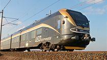 Černo-zlatá souprava nového železničního dopravce Leo Express | na serveru Lidovky.cz | aktuální zprávy