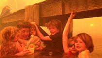 Prarodi�e v Austrálii zachránili p�t vnou�at p�i lesním po�áru  | na serveru Lidovky.cz | aktu�ln� zpr�vy