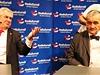 Karel Schwarzenberg a Milo� Zeman p�i dal�� z p�edvolebn�ch debat.
