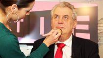 Nov� zvolený prezident Milo� Zeman v televizním studiu, kde se koná dal�í z jeho povolebních rozhovor�. | na serveru Lidovky.cz | aktu�ln� zpr�vy