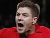 Gerrard se raduje z branky do sítě Manchester City