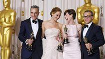Oceněná čtveřice: Daniel Day-Lewis, Jennifer Lawrenceová, Anne Hathawayová a Christoph Waltz