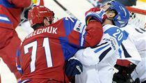 Koval�uk napadl Fina Pesonena.