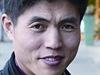 """Byl jsem zv��e a v �lov�ka se teprve vyv�j�m."" Tak o sob� mluv� Sin Tong-hjok, otrok a politick� v�ze�, kter� se narodil v pracovn�m t�bo�e v Severn� Koreji."