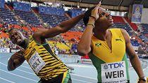 Jamaj�t� b�ci Usain Bolt (vlevo) a Warren Weir