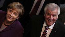 Německá kancléřka a šéfka CDU Angela Merkelová s lídrem křesťanských socialistů Horstem Seehoferem