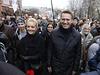 Shromáždění ruské opozice v ulicích Moskvy. Alexej Navalnyj uprostřed, spolu s manželkou Julijí