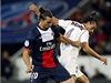 Fotbalista Paris St. Germain Zlatan Ibrahimovi� (vlevo) a Nemanja Pej�inovi� z Nice | na serveru Lidovky.cz | aktu�ln� zpr�vy