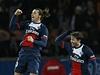 Fotbalista Paris St. Germain Zlatan Ibrahimovič (vlevo) a jeho spoluhráč Maxwell