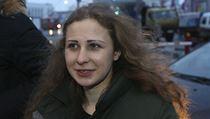 Putinova amnestie: členka Pussy Riot Aljochinová je na svobodě