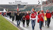 Schumacherovi fanou�ci na závodním okruhu. | na serveru Lidovky.cz | aktu�ln� zpr�vy