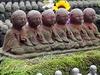 Sošky božstva Jizo v chrámu Heza-Dera, Sakurai v prefektuře Nara.