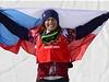 Eva Samkov� s �eskou vlajkou.