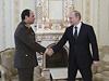 Gener�l Abdal Fatt�h S�s� (vlevo) na ofici�ln� n�v�t�v� Moskvy s rusk�m prezidentem Vladimirem Putinem.