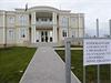Palestinská ambasáda v Suchdole se otev�ela ve�ejnosti. Fotografování bylo zakázáno. | na serveru Lidovky.cz | aktu�ln� zpr�vy
