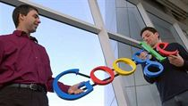 Larry Page a Sergej Brin vyhlásili válku pirát�m. Nová kampa� Googlu má podpo�it tv�rce originálního obsahu. | na serveru Lidovky.cz | aktu�ln� zpr�vy