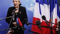 Krajn� pravicová Národní fronta, její� �éfkou je Marine Le Penové, je jedinou velkou francouzskou politickou stran, která má v programu vystoupení z eurozóny a z Evropské unie.   na serveru Lidovky.cz   aktu�ln� zpr�vy