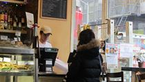 Cafe Prague does a brisk take-out business during the lunch hour | na serveru Lidovky.cz | aktu�ln� zpr�vy