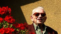 Miloslav Stingl je na po�átku �ivotní osmdesátky, ale pam� má stále jako geniální mladík. Výrazné slune�ní brýle, je� ob�as nosí, jsou památe�ní. Má je v upomínku na svého tatínka. | na serveru Lidovky.cz | aktu�ln� zpr�vy
