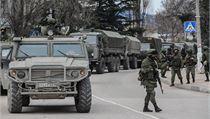 Rusko vysílá na Krym vojáky. Nasazení síly proti Ukrajině schválil i parlament