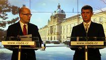 Bohuslav Sobotka (vlevo) a Andrej Babi� na tiskové konferenci po jednání vlády. | na serveru Lidovky.cz | aktu�ln� zpr�vy