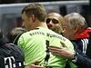 Skvělá práce. Manuel Neuer a trenér Guardiola.
