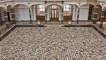 6000 dřevěných stoliček. Z výstavy Aj Wej Weje v Berlíně.