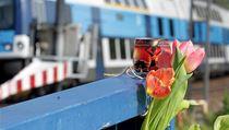 Iveta Bartošová spáchala sebevraždu, skočila pod vlak. Uštval ji bulvár, ozývá se z jejího okolí.
