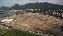 Olympijský park, nebo plocha plná hlíny? Takhle vypadal prostor, kde má vyr�st 10 sportovi��, je�t� loni v dubnu | na serveru Lidovky.cz | aktu�ln� zpr�vy