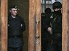 Policie hlídá budovu regionálního parlamentu v Oděse.