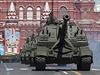 Vzhledem k ukrajinsk� krizi je p�ehl�dka, j� se z��astnilo na 11 000 voj�k�,...