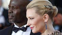 Herečka Cate Blanchett a herec Djimon Hounsou při focení k filmu Jak vycvičit draka 2 na festivalu v Cannes.