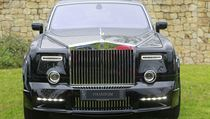 Náv�t�vníci mohou obdivovat p�edvále�né veterány Rolls-Royce, klasické limuzíny...   na serveru Lidovky.cz   aktu�ln� zpr�vy