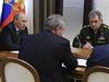 Ruský prezident Vladimir Putin (vlevo) a ministr obrany Sergej Šojgu (vpravo).
