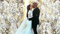 Slavná svatební fotografie Kim Kardashian