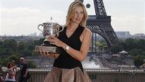 Nejdelší tenisové nohy. I díky nim Maria Šarapovová letos triumfovala na Roland Garros.